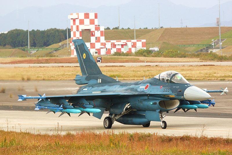 800px-F-2A_(53-8535)_at_Tsuiki.jpg